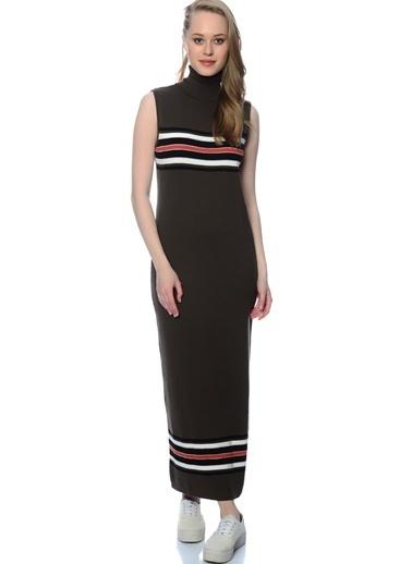 Black Pepper Boğazlı Kolsuz Uzun Elbise Haki